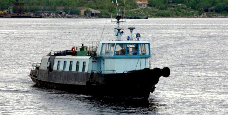 Якобы затонувший катер приставы нашли в доке в Полярном