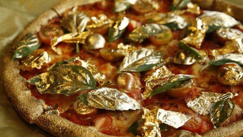 Пиццу за 119 тысяч купила мурманчанка