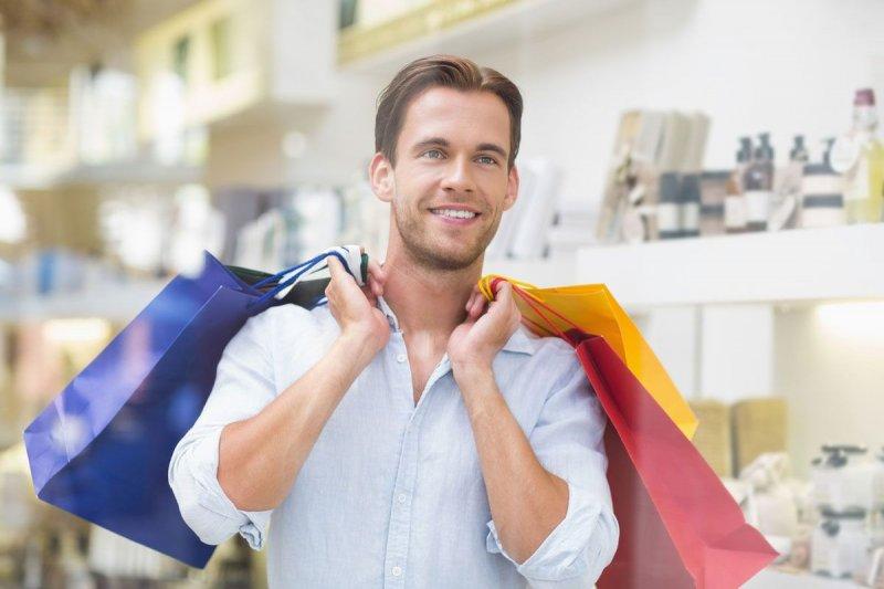 С чужой картой устроил шоппинг житель Мурманска
