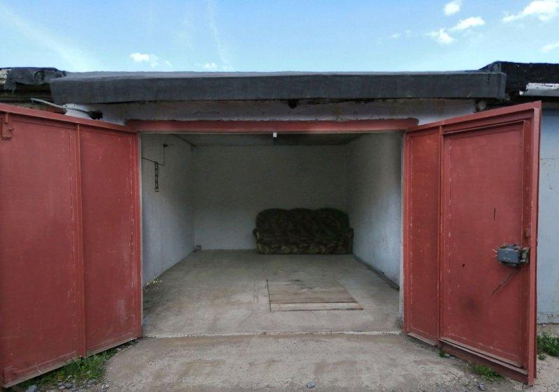Электроинструмент на 76 тысяч украли из гаража в Коле