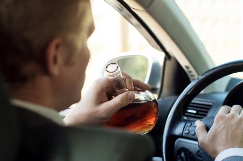 «Сдали» пьяного водителя жители Мурманска