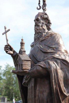 Памятник святому Феодориту Кольскому установили в Кандалакше