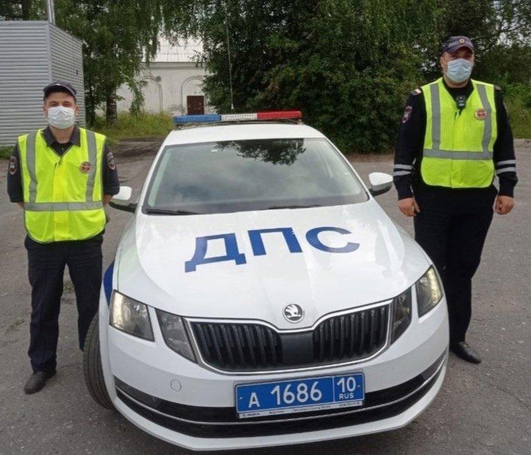Помогли добраться до больницы жителю Полярных Зорь сотрудники ГИБДД в Карелии