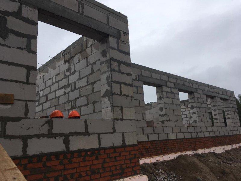 Готовы стены строящегося детского сада в Алакуртти