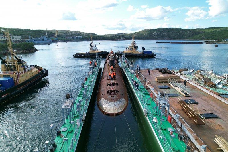 Подводную лодку К-3 готовят к переходу из Снежногорска в Кронштадт