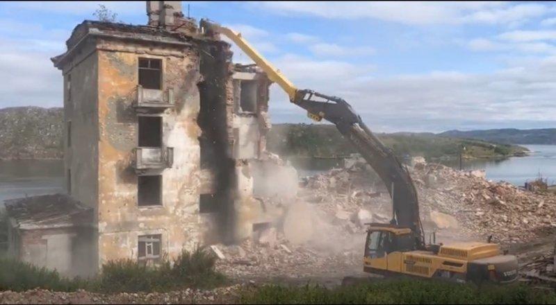 Снос нежилых зданий завершается в Александровске