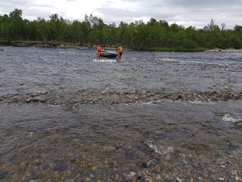 Троих пропавших в водоемах ищут в Мурманской области