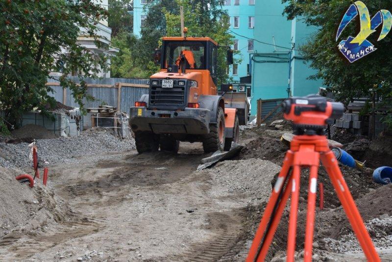 Власти Мурманска проверили ход работ у памятника В.И. Ленину