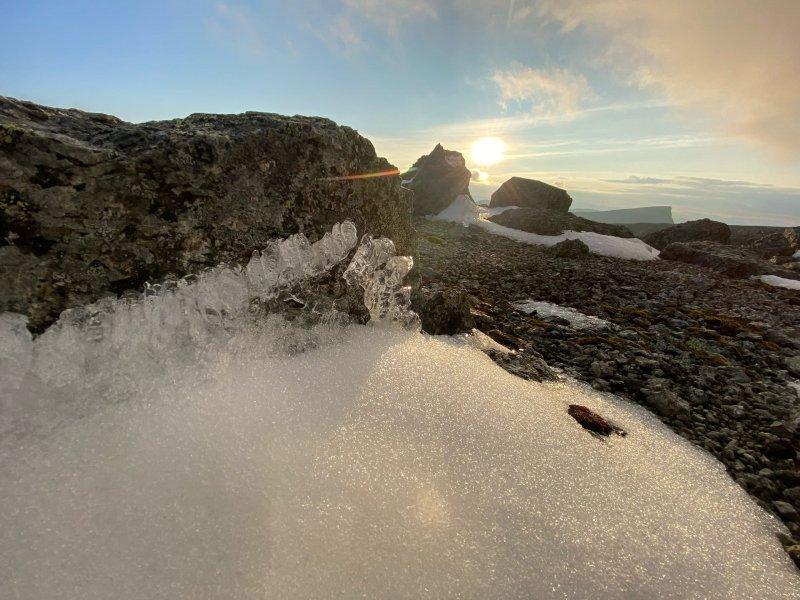 Лепить снеговиков уже можно в Хибинах