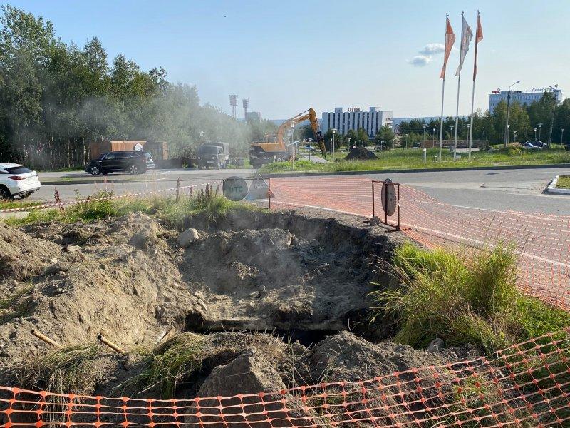 Аварию на магистральном трубопроводе устраняют в Оленегорске