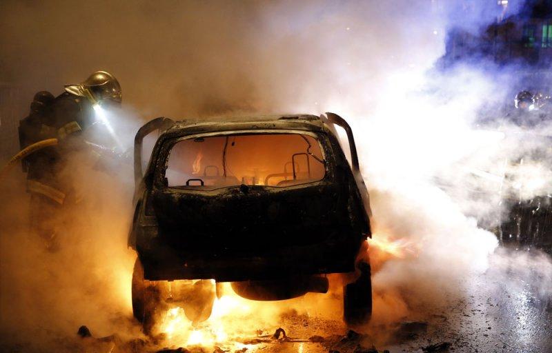 3 автомобиля сгорели на центральной площади Кировска