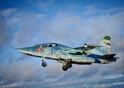 В Крыму тренировались пилоты палубных истребителей Северного флота