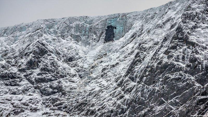 Первые лавины заметили в Хибинах