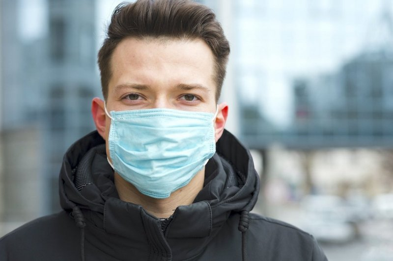 10 суток ареста за отказ надеть маски двум жителям Ковдора