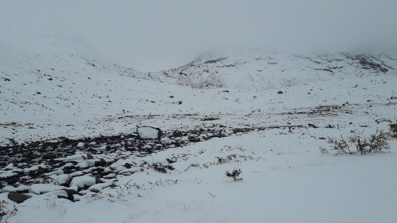 Утопают в снегу Хибины
