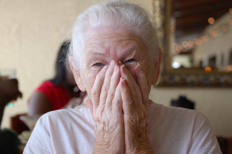 Обобрал до нитки 84-летнюю бабушку ее знакомый в Мурманске