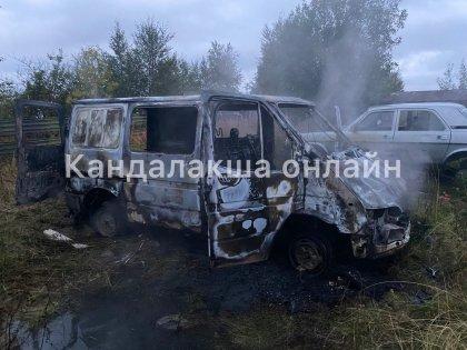 Огонь почти уничтожил машину в Кандалакше