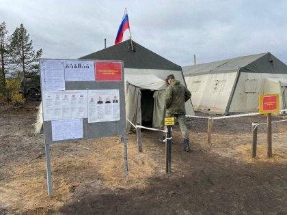 В полевых условиях досрочно проголосовали военные в Печенгском округе