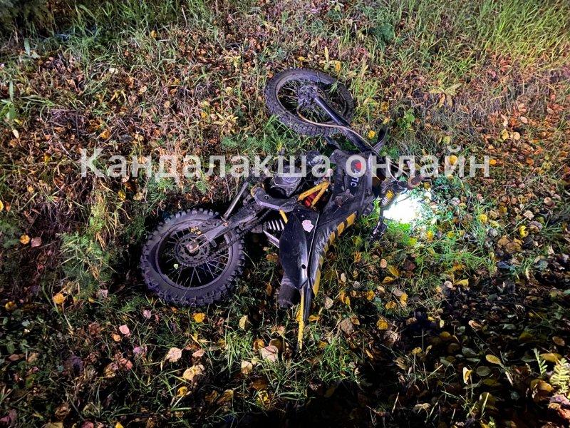 Байк улетел в кювет после столкновения с иномаркой в Кандалакше