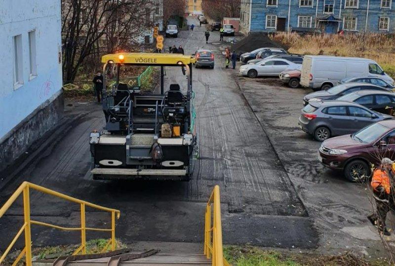 Переделывать асфальт заставили подрядчика в Мурманске