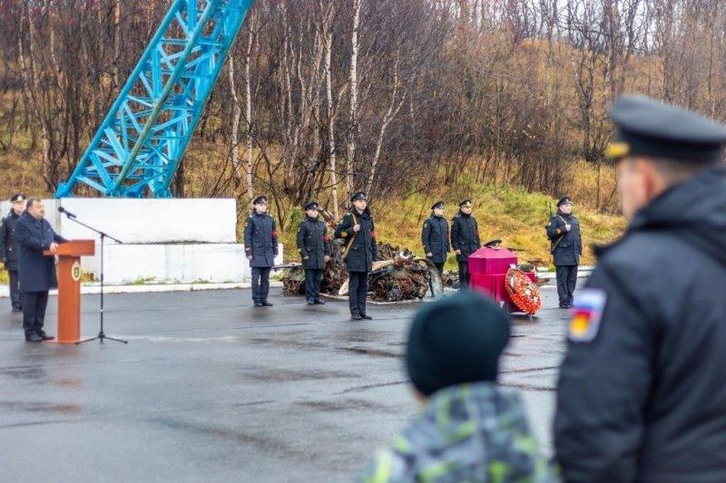 Передали родственникам останки летчика, погибшего 80 лет назад в районе Западной Лицы