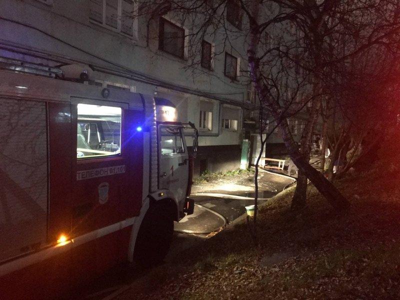 Детей и взрослых эвакуировали из горящего Центра здоровья в Мончегорске