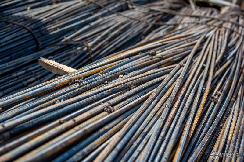 Украли 1,5 тонны железа на предприятии в Кировске
